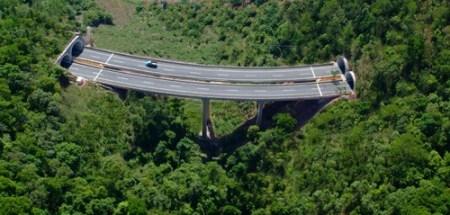 """一目标,西双版纳州围绕""""四个基地,两个平台""""重点实施昆曼公路小磨段工"""