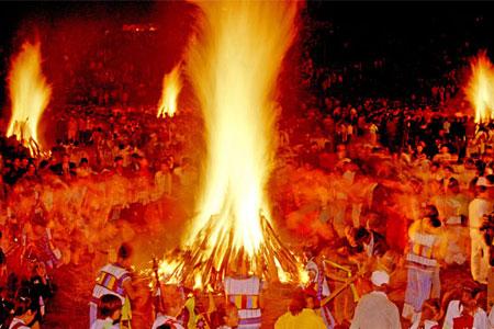 今年,云南省昆明市石林县将于8月2日至5日举行大型庆祝火把节活动.