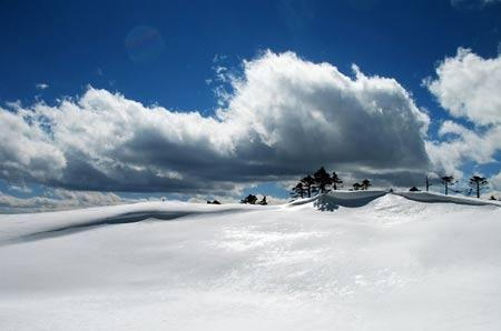 云南怒江九十九塘在海拔3200多米的云南怒江碧罗雪山南部,有一个风景