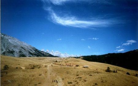 丽江牦牛坪:风景如画的天然草甸牧场