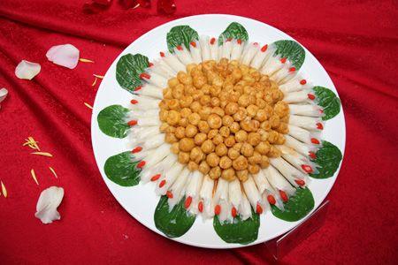 地方特产美食_曲靖美食文化节飘香四海 地方特产创新菜展妙