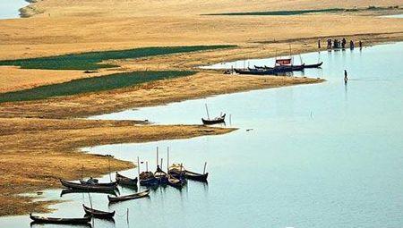 蒲甘位于缅甸中部