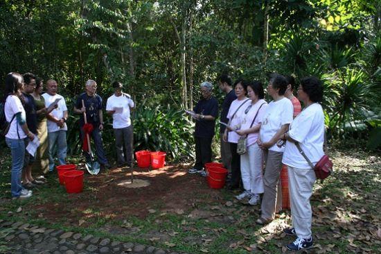 西双版纳热带植物园创始人蔡希陶教授后代亲人回访记