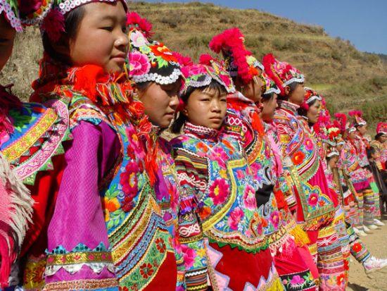 彝族赛衣节