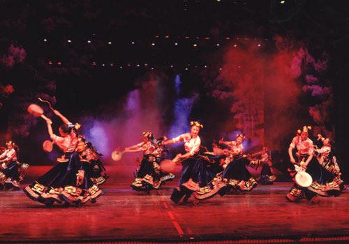 歌舞团 沿海剧场演出6 高清小剧场歌舞团演出 歌舞团小剧场努力演出