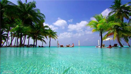 马尔代夫清澈的海水