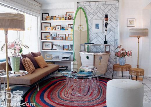 风格家具的混搭,比如中式古典配现代布艺