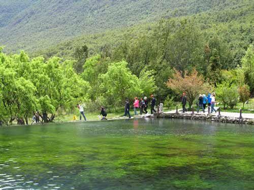 玉水寨山寨自然纯朴,山水相依,风景秀丽,是具有民族文化特色的风水宝