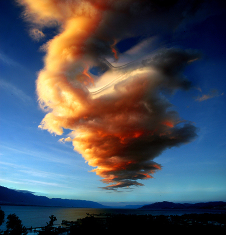 苍云空手绘图片