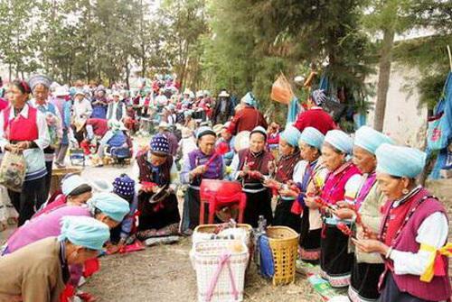 白族绕三灵(图片来源:中国商务在线旅游网)