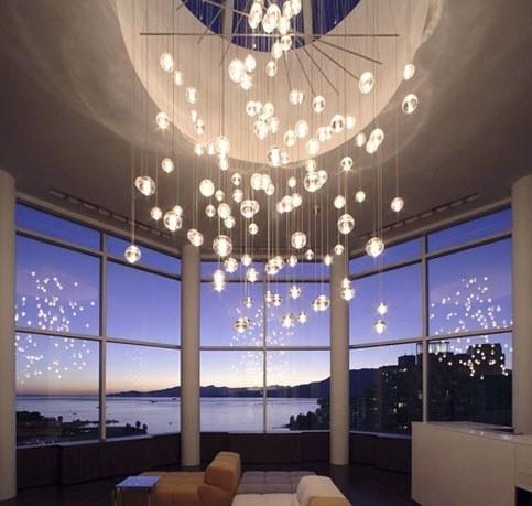 客厅的魔法灯饰布置