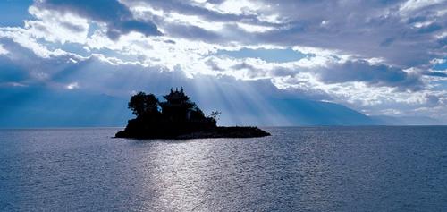 洱海上的小岛