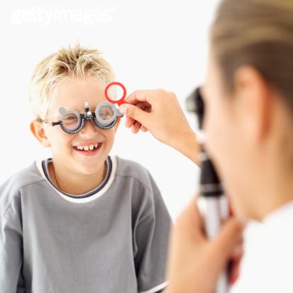儿童科学配镜的八个步骤