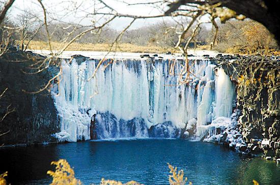 黑龙江镜泊湖冬季瀑布景观 颜秉光 摄