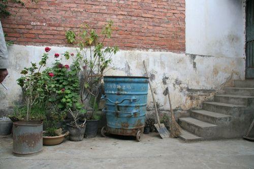 岛上的垃圾桶都是如此可爱_乐乐简笔画