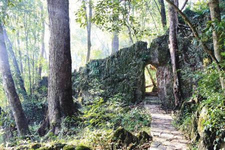 城寨老寨门