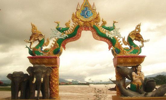 持护照 金三角中国老挝缅甸泰国船去车回精品