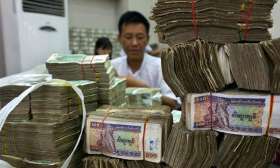 日本目前已经成为缅甸最大的债权国,就在今年4月份,缅甸总统登盛时隔28年首次访日,日本则一次性免除缅甸近3035亿日元的债务。