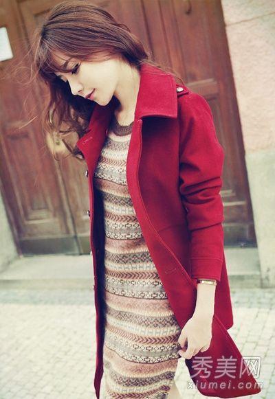 红色呢子大衣