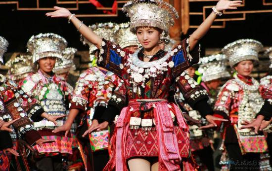 中国少数民族网苗族文化之掐手