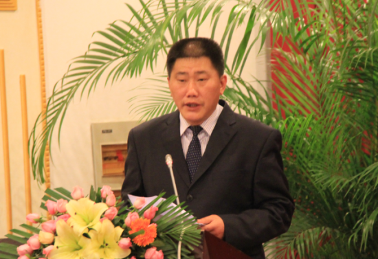 云南省钛行业协会会长潘阳介绍云南钛行业发展的情况
