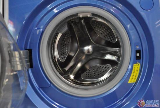 豪华洗衣体验 小天鹅自动投放洗衣机(图)