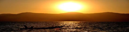 夕阳下的抚仙湖