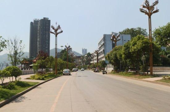 水富县美化城市道路