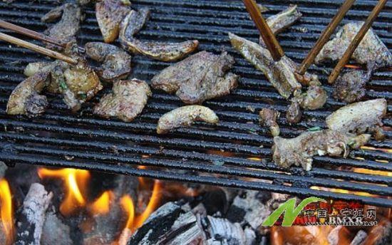 木制烧烤盘子图片