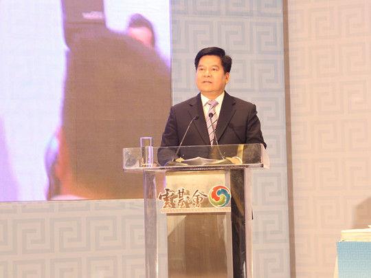 云南省人民政府省长李纪恒做主旨演讲