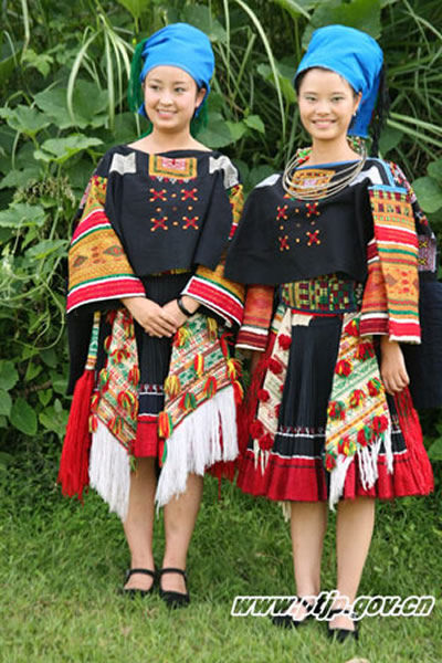 苗族服饰服装设计图展示