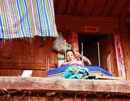 秋那桶的女人和她的家
