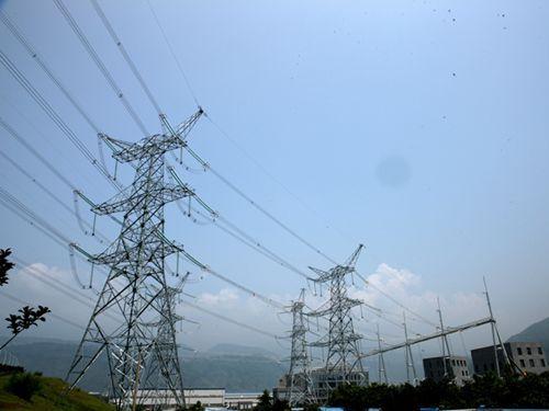 溪洛渡水电站强大的电能源源外送线路-世界第三大水电站正式投产发电