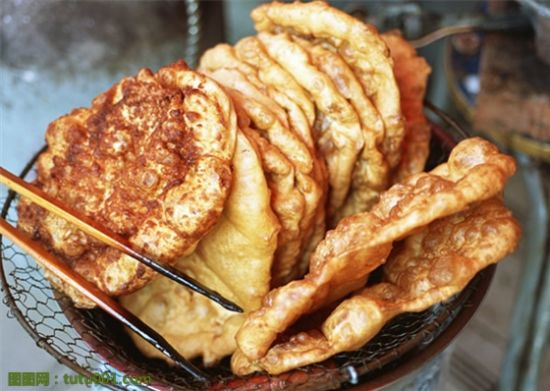 油条油饼(图片来源:图图网)