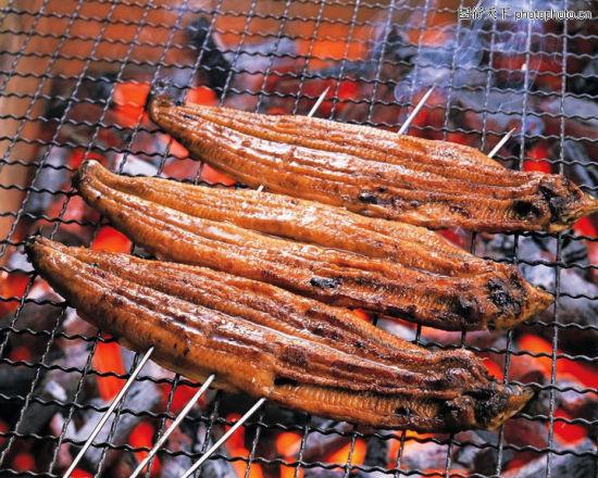 烧烤(图片来源:图行天下)