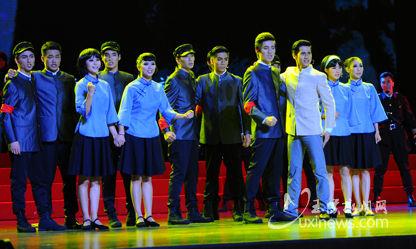 21日晚8点,大型原创舞台音乐剧《国之歌》在玉溪聂耳大剧院举行首场演出 记者潘泉 摄