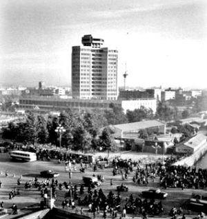 上世纪80年代,工人文化宫是昆明的第一高楼。杨橙云 摄