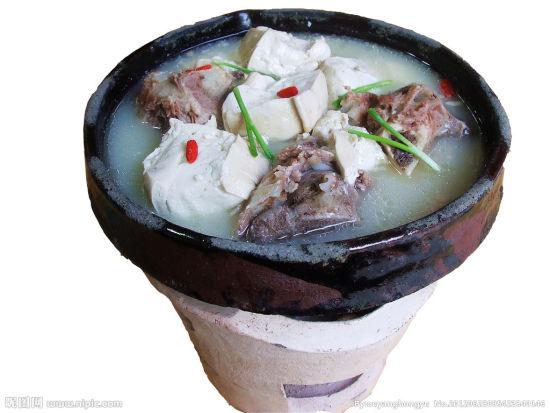 土锅豆腐(图片来源:昵图网)