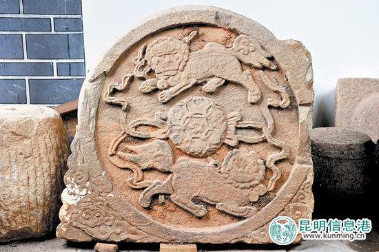碑林博物馆共收藏碑刻72方、拓片83幅。记者杨艳辉摄