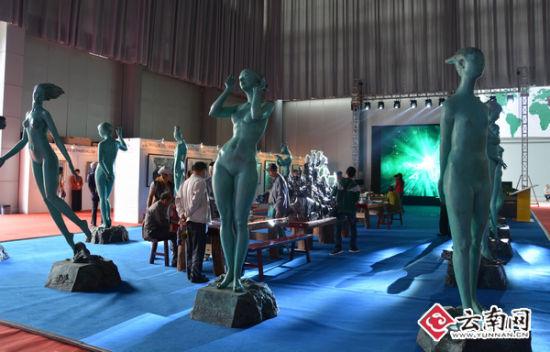 12尊《富春山居图》青铜雕塑作品亮相