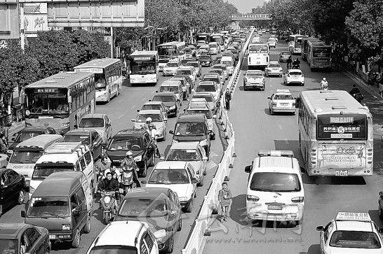 曲靖交通日益拥堵